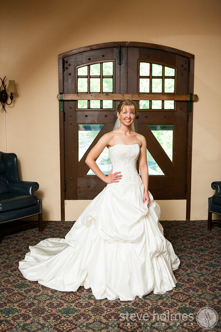 The carriage house and the castle had some great areas for portraits of the beautiful bride.