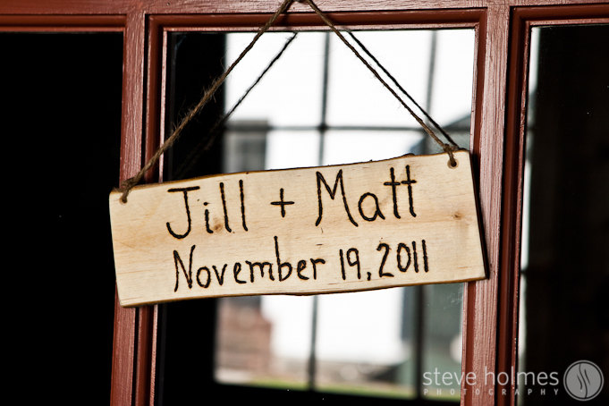 Matt and Jill displayed beautiful details all around the Tavern at The Grafton Inn