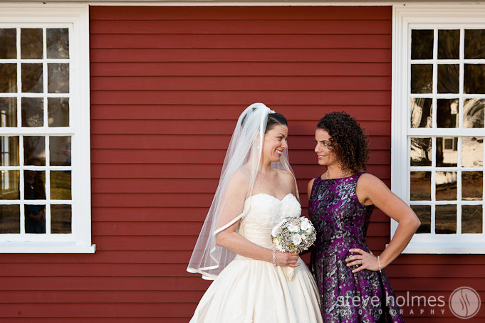 Jill and her sister shared a sweet moment just before the ceremony