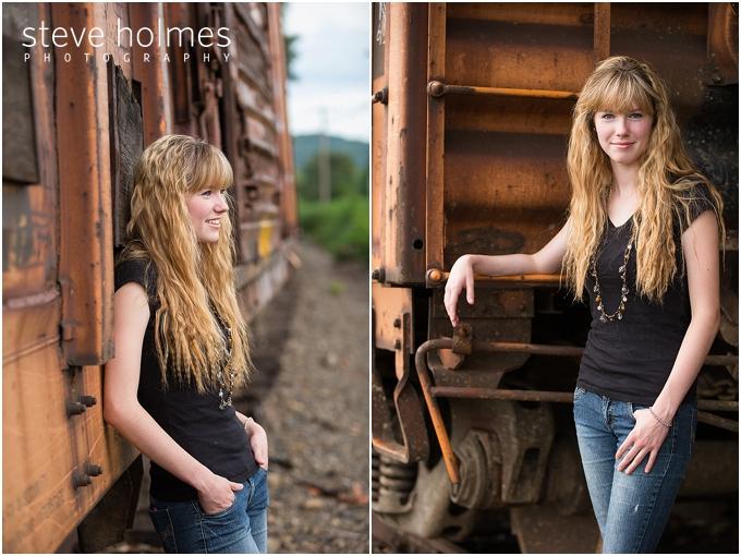 4_train-backdrop-senior-portraits