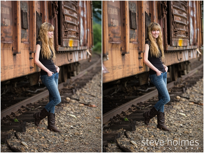 5_vermont-senior-portraits-session-of-girl-by-train
