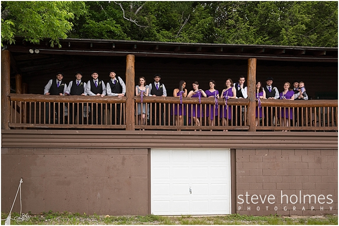 19_wedding-party-wooden-balcony