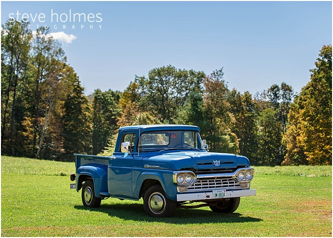 1_blue-ford-pickup-truck