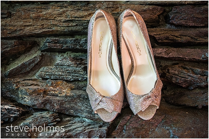 10_brides-wedding-shoes