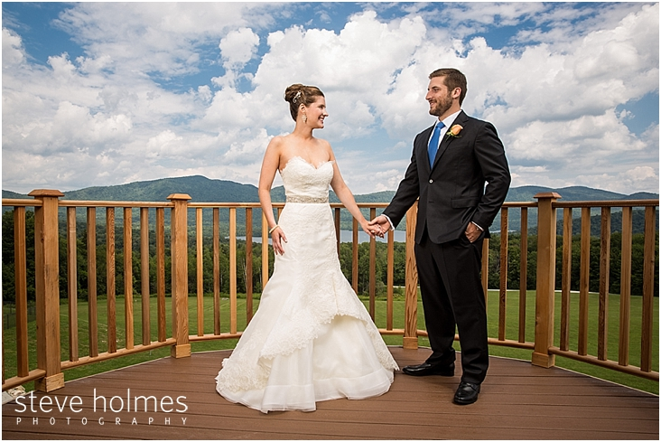 21_bride-groom-hold-hands