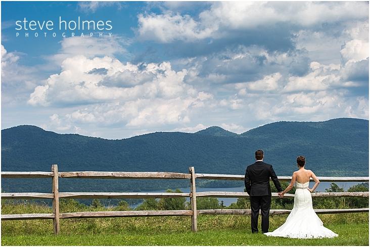 29_bride-groom-wooden-fence-overlooking-mountains