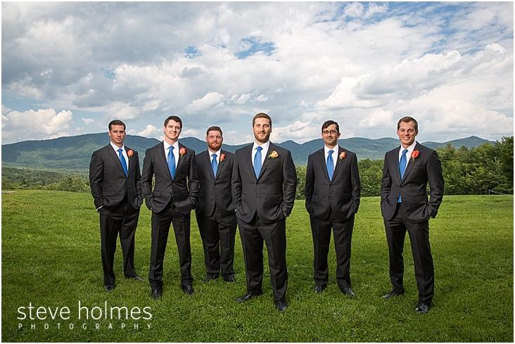 34_groom-groomsmen-outdoors-hands-in-pockets