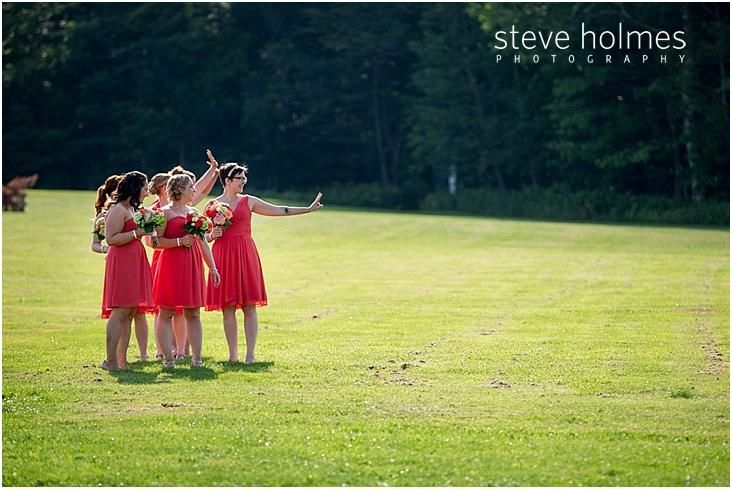 38_bridesmaids-wave