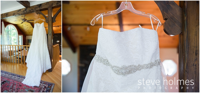 3_wedding-dress-hanger