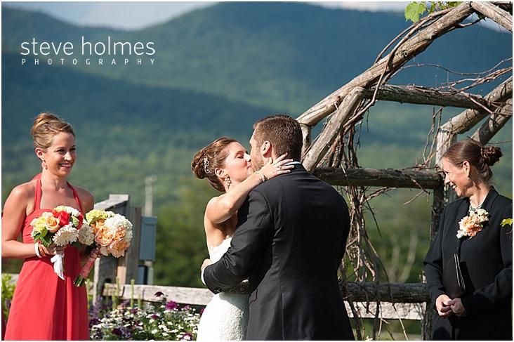 49_bride-groom-first-kiss