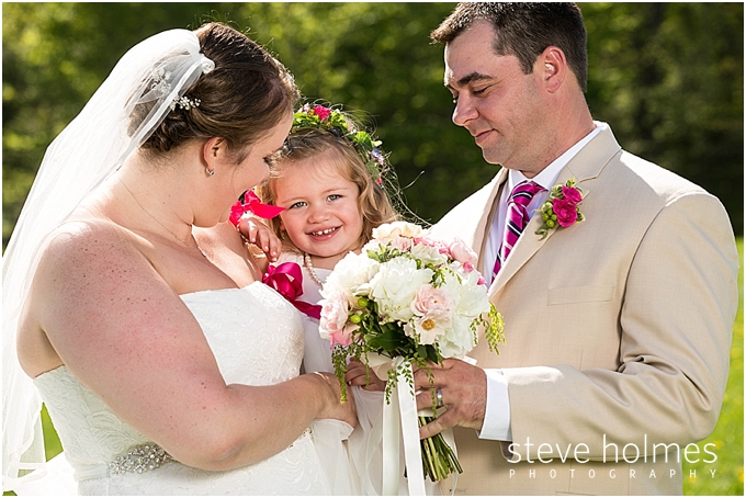 59_bride-groom-flower-girl