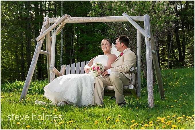 73_bride-groom-swing