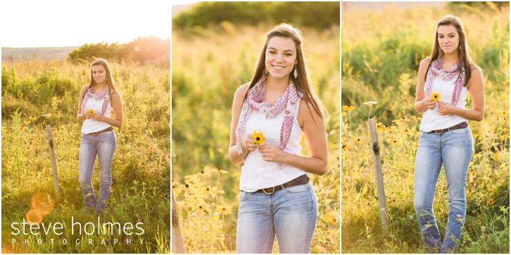 15_soft-light-senior-portrait-image-of-girl-in-field-of-flowers