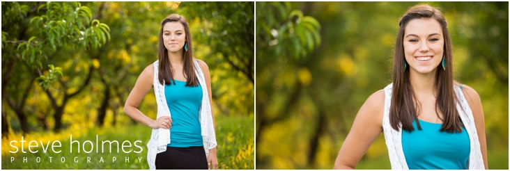 16_girl-in-blue-shirt-poses-for-senior-portraits-at-alysons-orchard