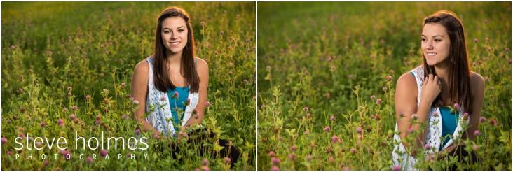 18_girl-in-wild-flower-field-senior-portraits