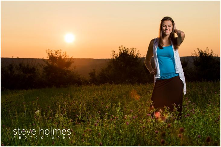 19_sunset-senior-portrait-at-alysons-orchard