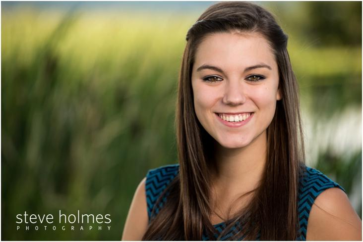 4_senior-portrait-of-girl-by-long-grass