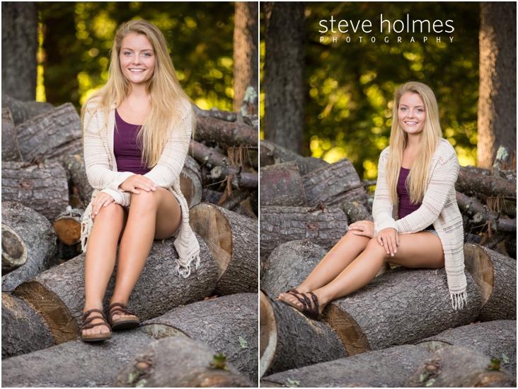 5_girl-sitting-on-logs-for-senior-portraits