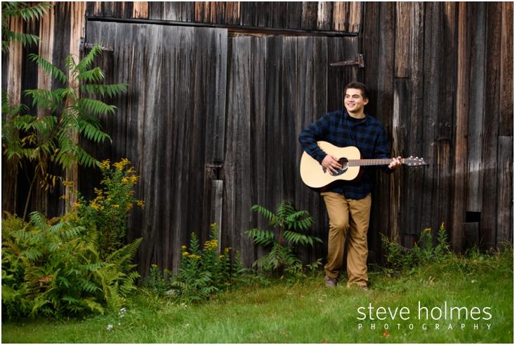 6_boy-playing-guitar-in-nh-senior-portrait
