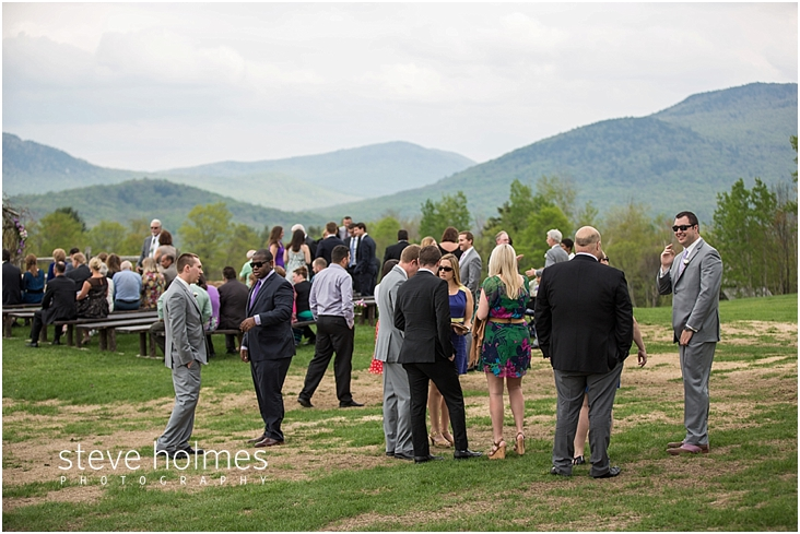 31_wedding-guests-mingle-before-ceremony