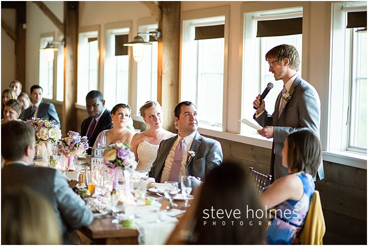 59_groomsman-gives-toast-during-reception
