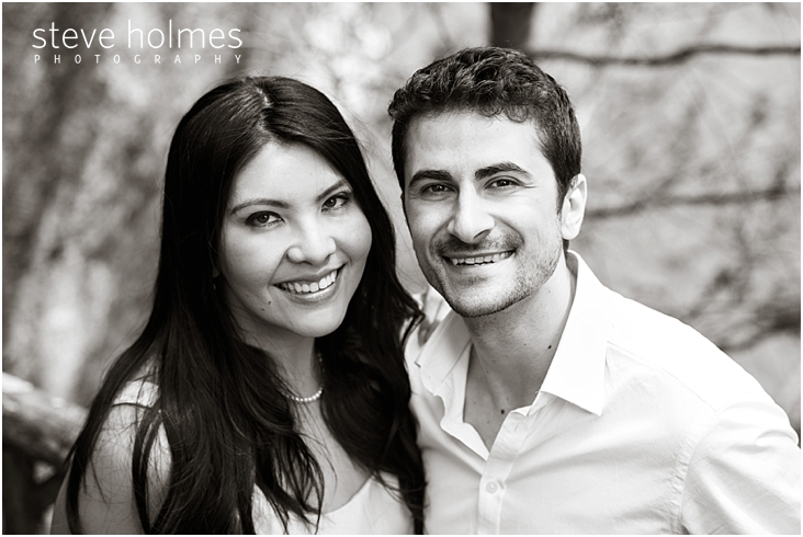 09_smiling-couple-black-and-white