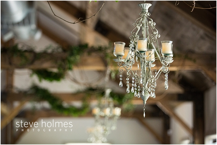 31_candle-chandelier-at-reception