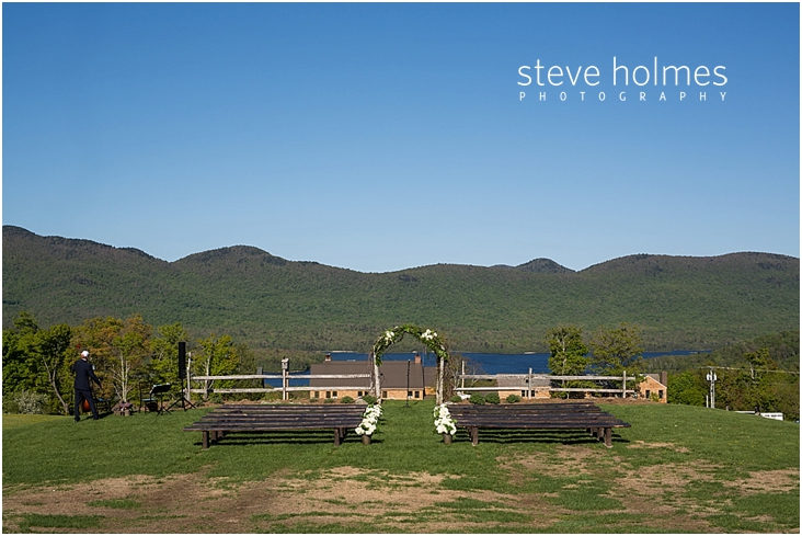 65_outdoor-wedding-ceremony-site-wooden-benches-overlooking-mountains