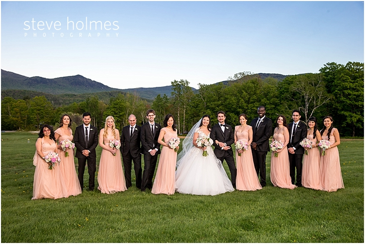 87_wedding-party-with-mountains-in-background