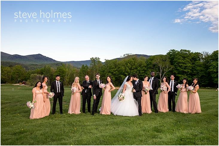 88_wedding-party-strikes-a-pose