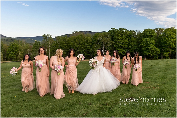 93_brides-and-bridesmaids-walking-together