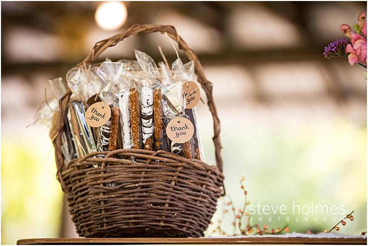 18_chocolate-dipped-pretzel-rod-thank-you-gifts-in-baskets