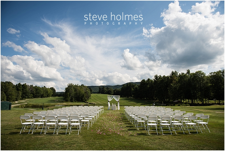 33_outdoor-ceremony-white-chairs
