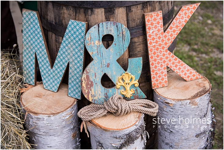 59_M-and-K-initials-on-birch-logs-decoration