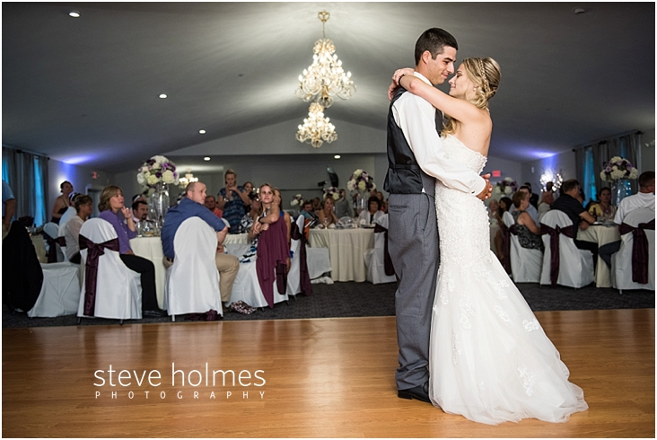 64_bride-and-groom-first-dance
