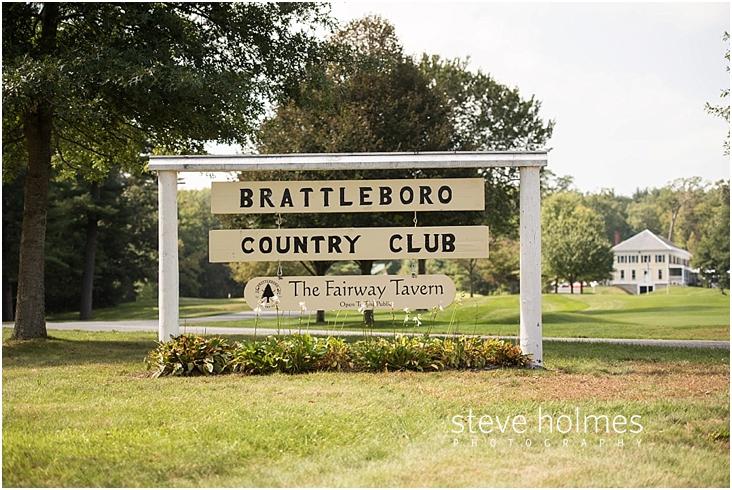 Brattleboro-country-club-outdoor-wedding