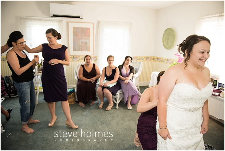 Outdoor-Brattleboro-Country-Club-Wedding-Photos-by-Steve-Holmes-Photography-063