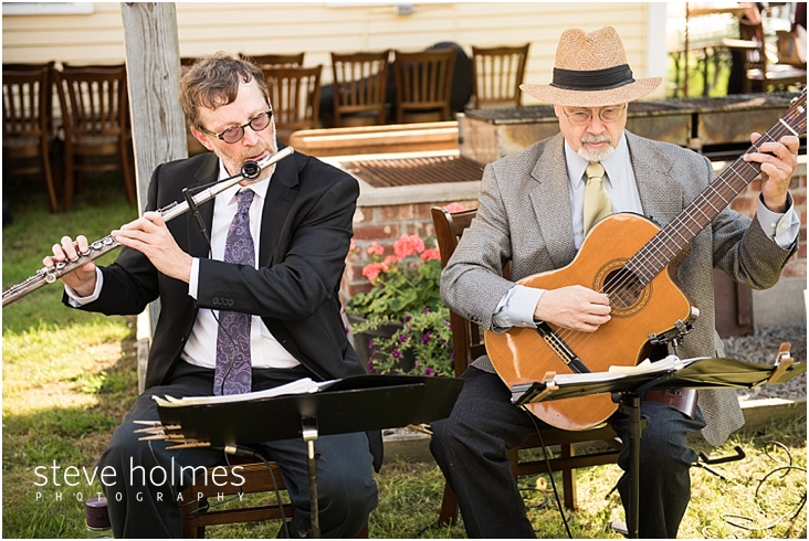 Outdoor-Brattleboro-Country-Club-Wedding-Photos-by-Steve-Holmes-Photography-100