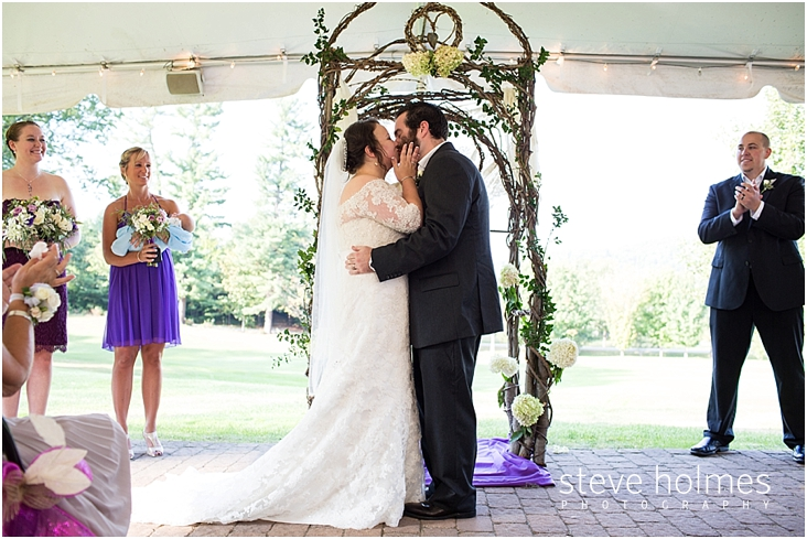 Outdoor-Brattleboro-Country-Club-Wedding-Photos-by-Steve-Holmes-Photography-202