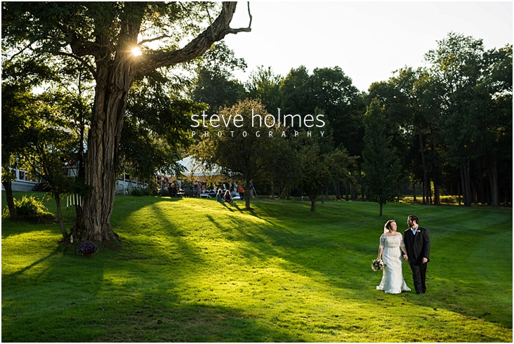 Outdoor-Brattleboro-Country-Club-Wedding-Photos-by-Steve-Holmes-Photography-356