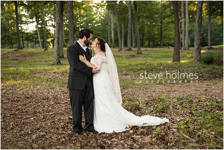 Outdoor-Brattleboro-Country-Club-Wedding-Photos-by-Steve-Holmes-Photography-387