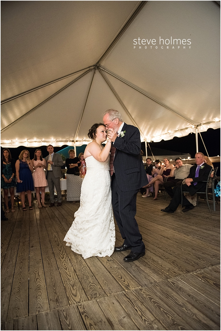 Outdoor-Brattleboro-Country-Club-Wedding-Photos-by-Steve-Holmes-Photography-590