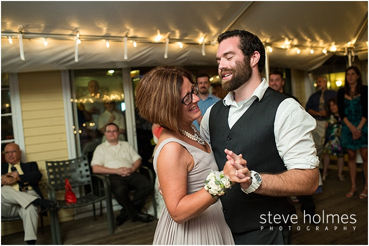 Outdoor-Brattleboro-Country-Club-Wedding-Photos-by-Steve-Holmes-Photography-609