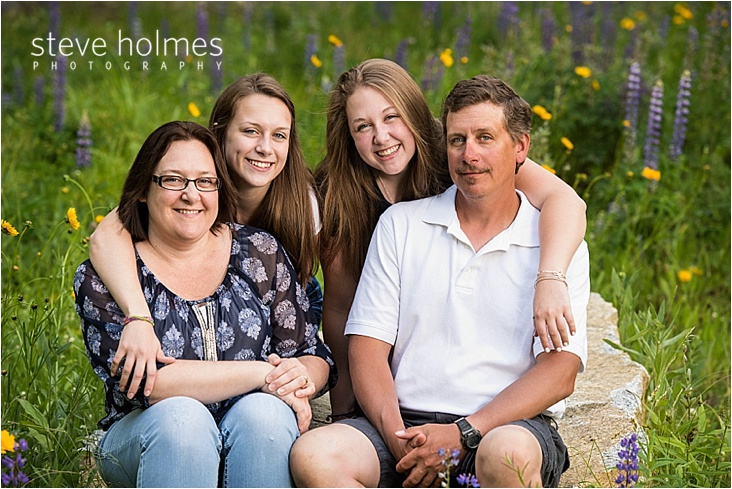 keene-wildflowers-family-portrait-by-steve-holmes-photography
