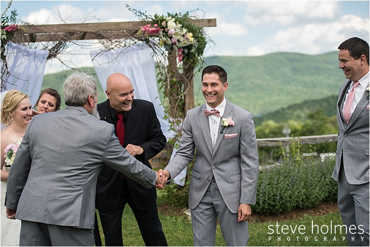 18_groom-and-father-of-bride-handshake_web