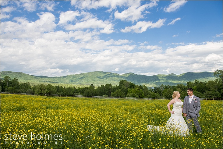 41_bride-and-groom-looking-at-each-other-in-yellow-field_web