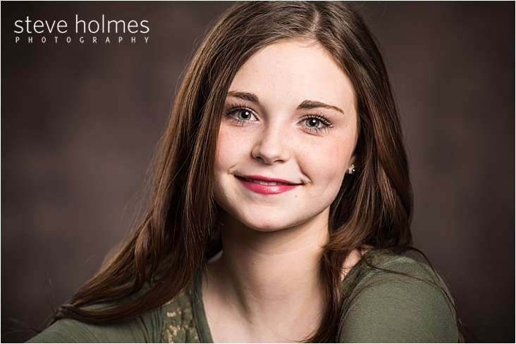 014_close-up-brown-hair-girl-on-dark-backdrop