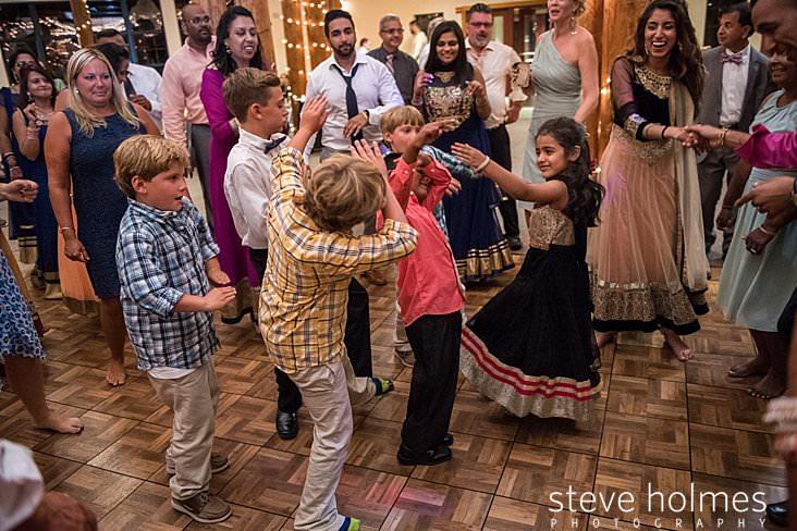 141_Kids dance during wedding reception.jpg