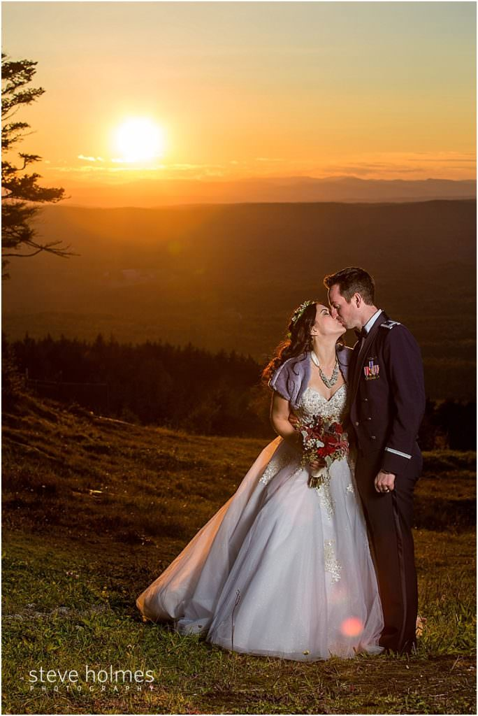 38_bride-groom-kiss-as-sun-sets