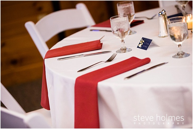 43_place-setting-with-red-napkins